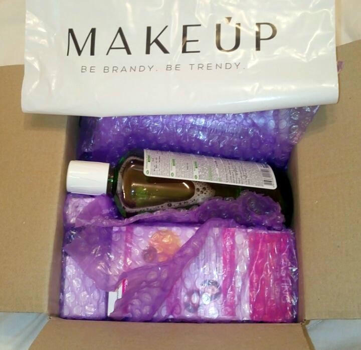 Интернет - магазин makeup.com.ua - Оперативно, качественно, но нет пробников в подарок.