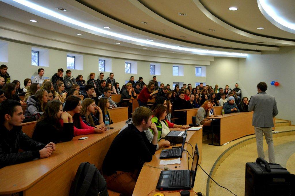 Открытый международный университет развития человека «Украина» - Перехрест Роман - президент студентського самоврядування