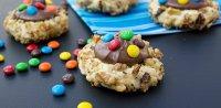 Ореховое печенье с шоколадной пастой и M&M's