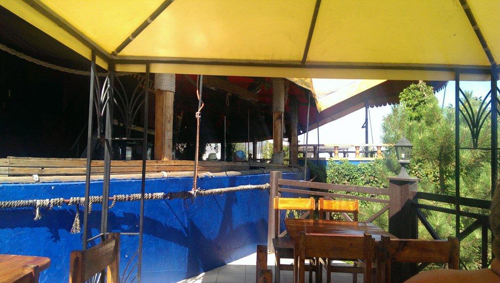 Ночной диско-бар Черная каракатица в Ильичевске -