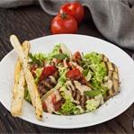 Ситні супи та вітамінні салати в оновленому меню ресторанів A la minute на «ОККО»