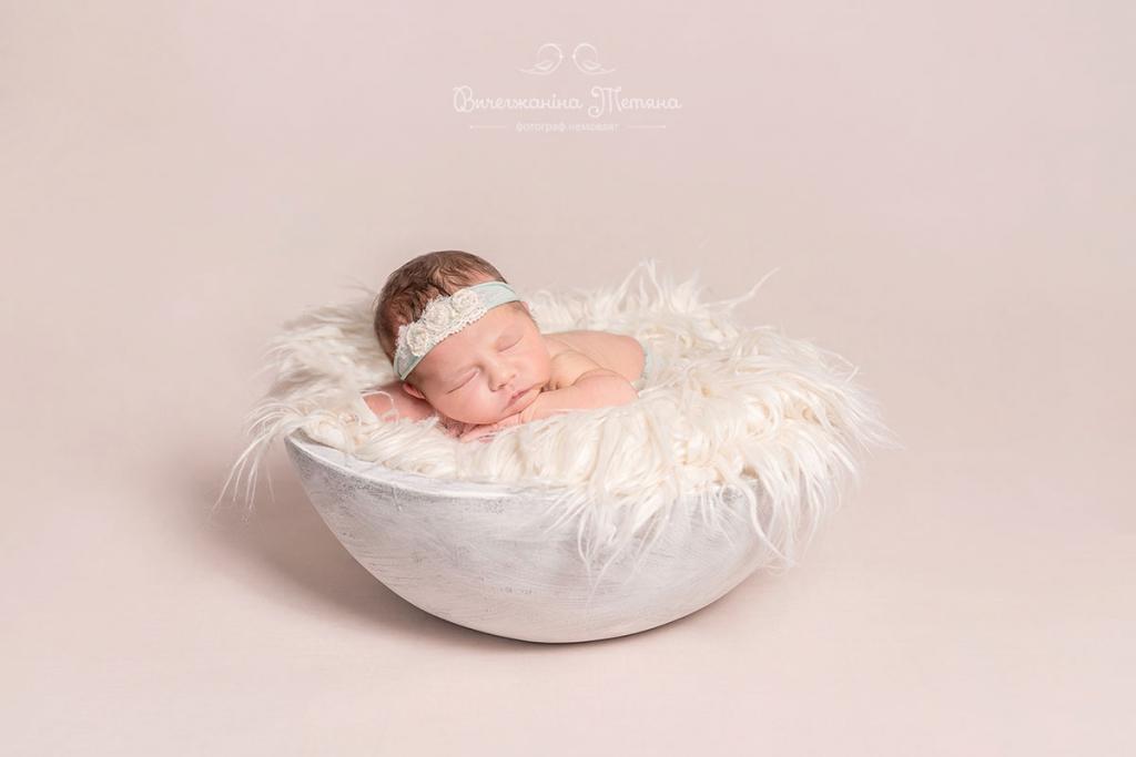 Фотограф новорожденных Вычегжанина Татьяна