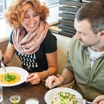 Ресторани A la minute запрошують на суп із кокосовим молоком та інші новинки літнього меню