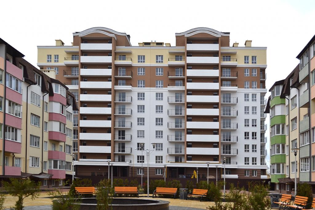 Вишневое, ул. Пионерская (9,14,18,20) - Піонерський квартал - переможець!
