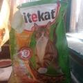 Отзыв о Kitekat: Сухой корм для котов KiteKat с курицей