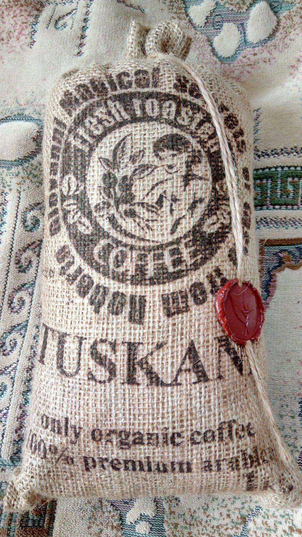 кофе tuskani 100% арабика - Классный кофе в зернах. Очень презентабельный )