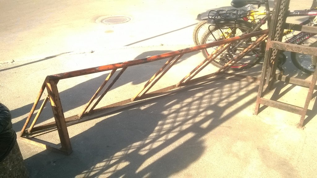 ТЦ «Дарынок» - Отсутствие велопарковки