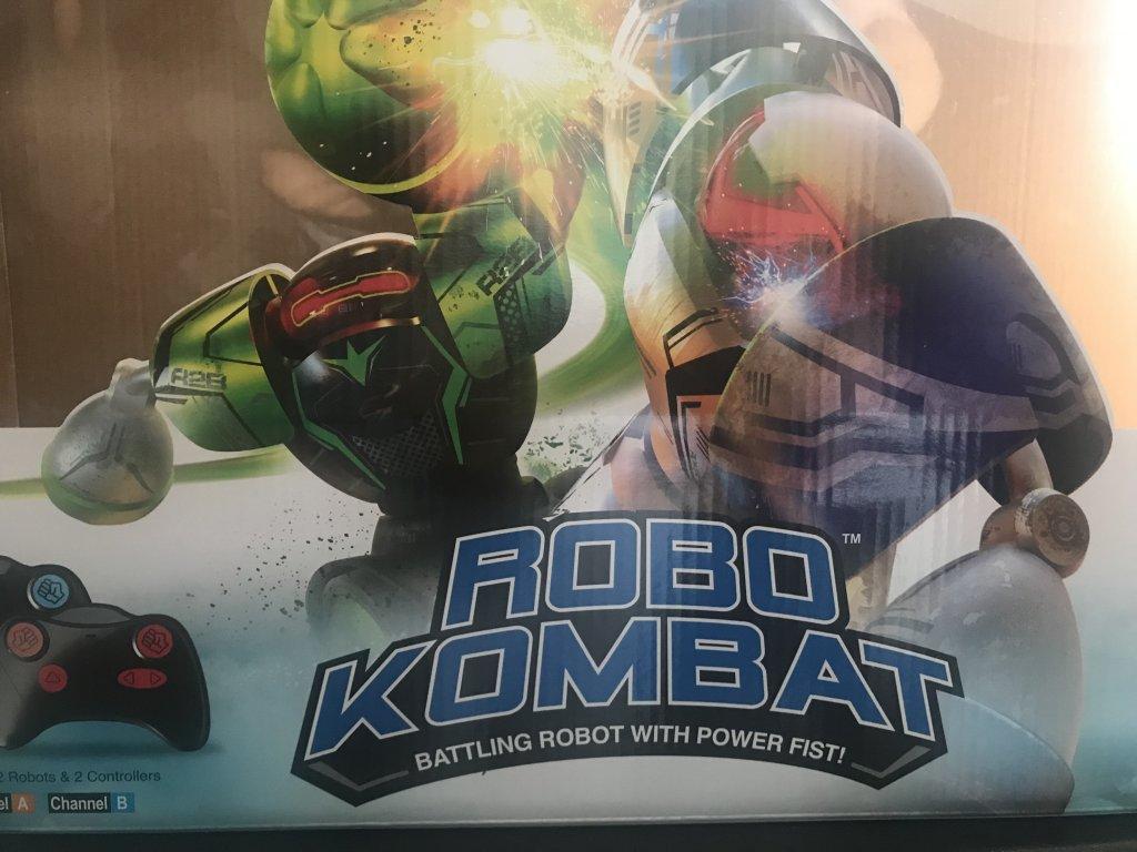 Игрушка Robo Kombat - Задумка интересная, реализация не очень