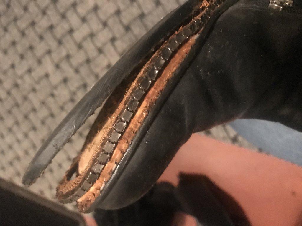 Miraton Fashion Market - Ужасная ,не качественная обувь