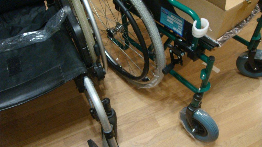 Крісло колісне ККС-02 (для людей з обмеженими можливостями) - ТзОВ \ОРТОТЕХНО\