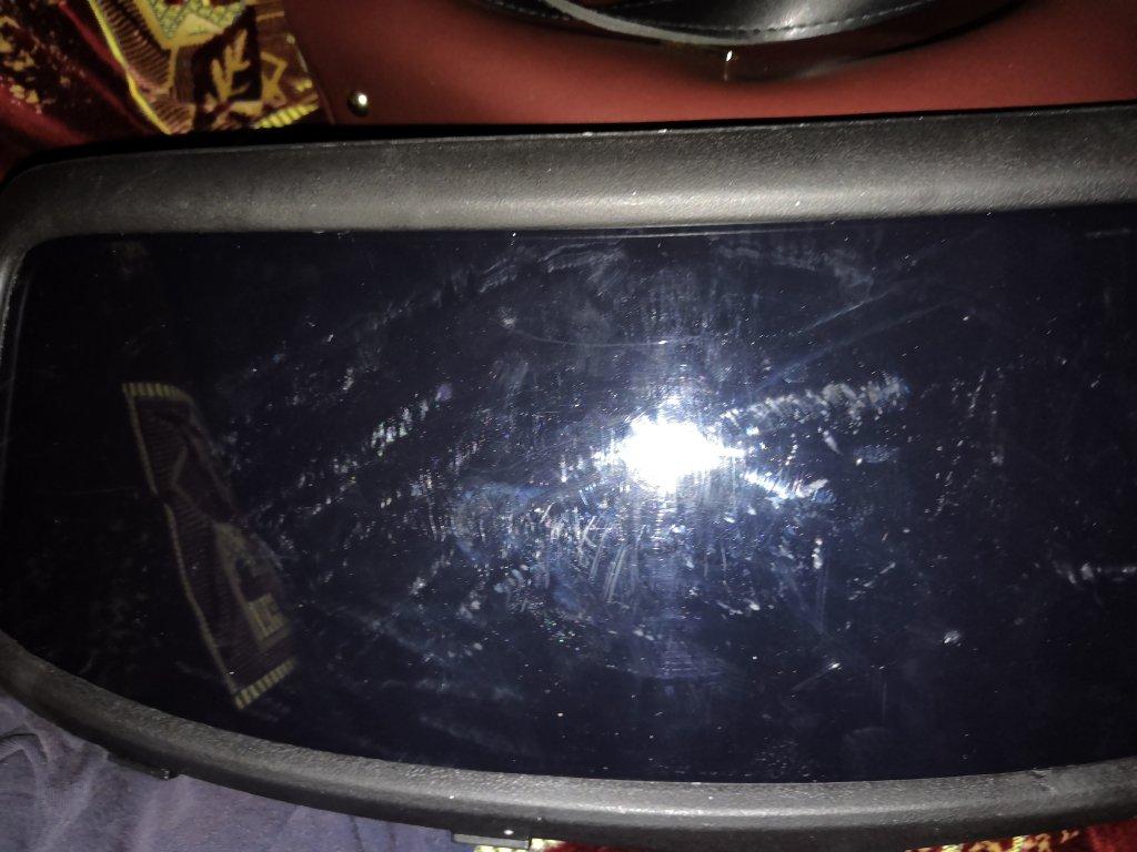 fiksiki.com.ua - Купили машину пришла в плохом состояние .И в ней поцарапанная флешка с непонятной музыкой.