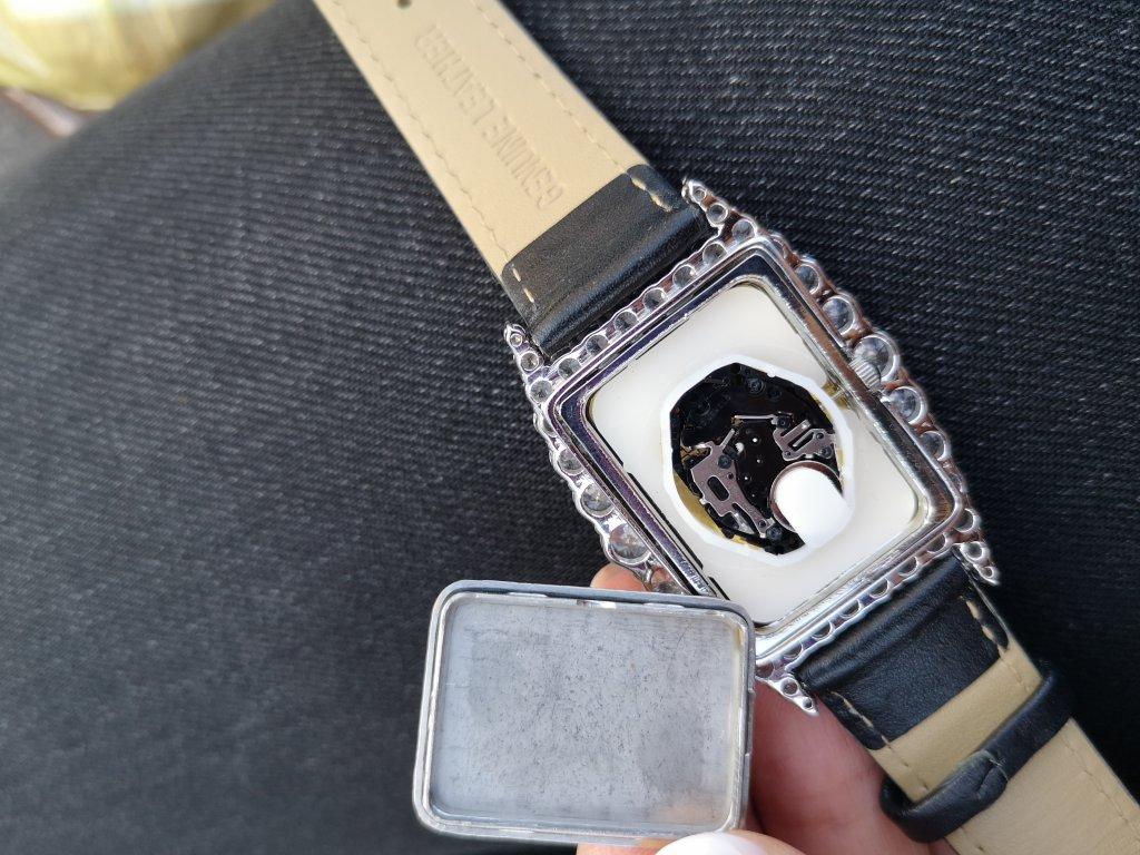 Ювелирный магазин Срібна Країна - В подарунок поламаний годинник
