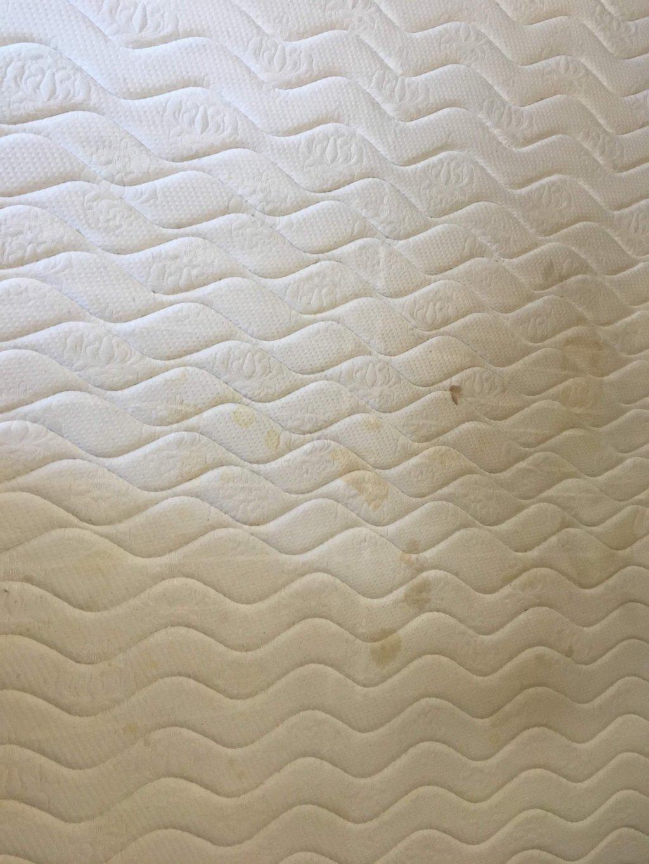 Уборка365 - Чистка матраса от пятен и запаха