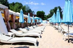 Пляжный комплекс «Днепровская Ривьера» (Dniprovska Riviera)